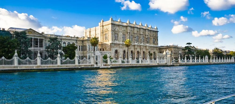 destinations-dolmabahce-palace-hero